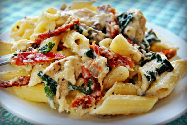 Gluten Free Penne Pasta Alfredo With Chicken Mushrooms Spinach And Sun Dried Tomatoes Mama