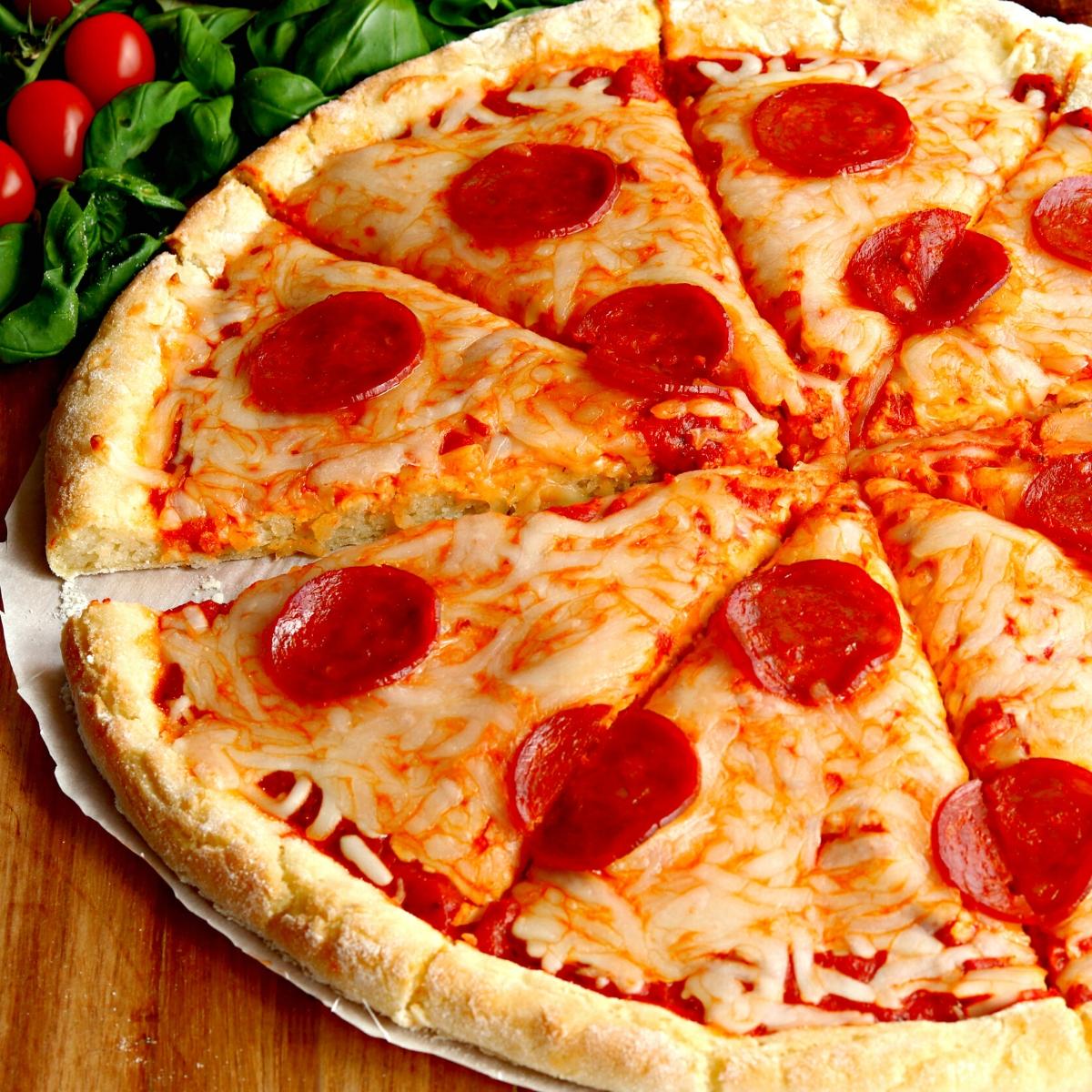 Gluten Free Pizza Dairy Free Vegan Option Mama Knows Gluten Free